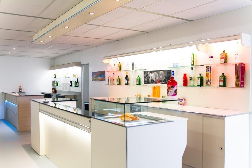 Banchi frigo banchi bar banconi bar produttori di for Arredamenti bar torino