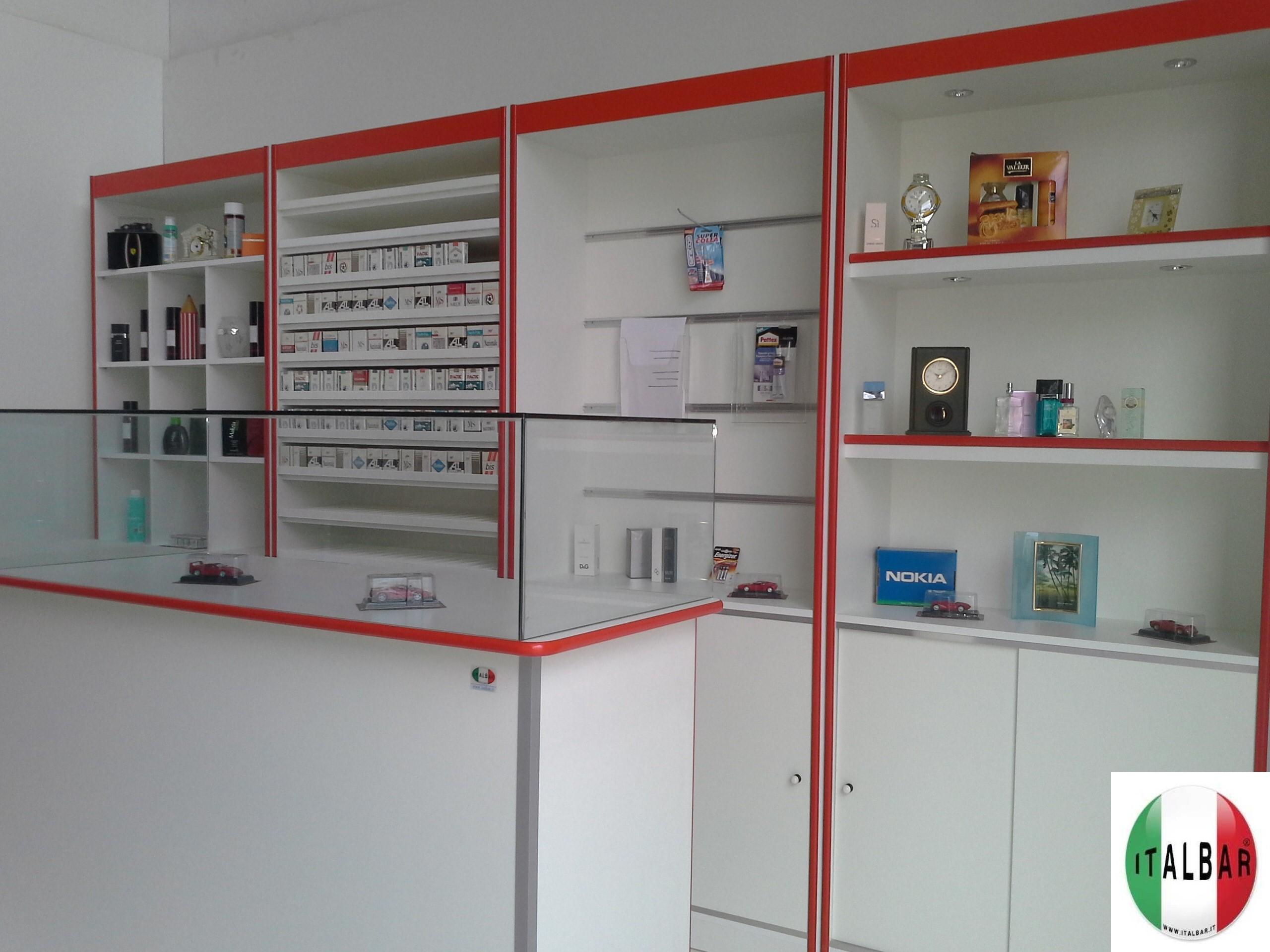 Banchi frigo banchi bar banconi bar produttori di for Banconi bar usati roma